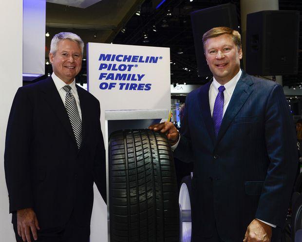 Председатель Michelin North American Inc. Пит Селлек и Скотт Кларк