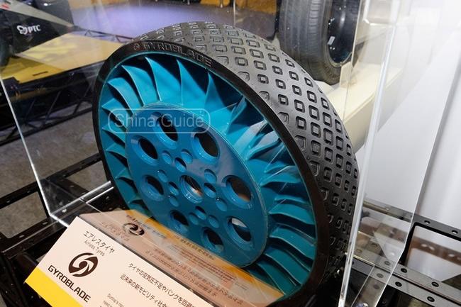 Gyroblade - безвоздушные шины Dunlop