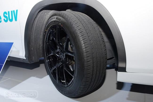 Рисунок протектора модели Goodyear E-Grip Performance SUV